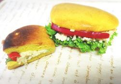 スタッフおすすめパンブログ第127弾 本店おもいやりデー限定「山本サンド」